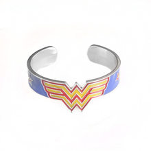 Kualitas Tinggi Fashion Film Wonder Woman Bros untuk Wanita Warna Emas Superhero Merah Enamel Kerah Pin(China)