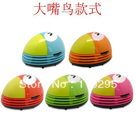 The cute creative mini vacuum cleaner Private cars cleaner animals Handheld keyboard cleaning machine electric beatles