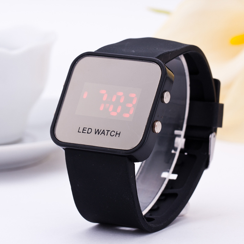 New Fashion Brand LED Digital Watches Women Men 6 Colors Sports Watch Outdoor Casual Wristwatches Relogio Feminino Hot Sale(China (Mainland))