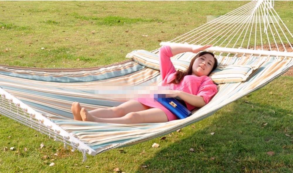 100% cotton hammock with wood bar 1pcs(China (Mainland))