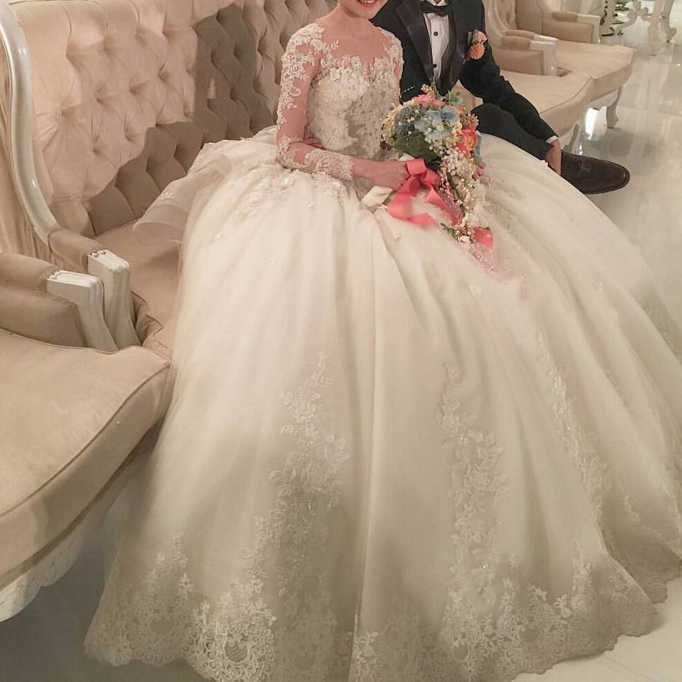 время беременности свадебные платья в избербаше фото платьев 2017 года Сергей Лазарев предпочитает