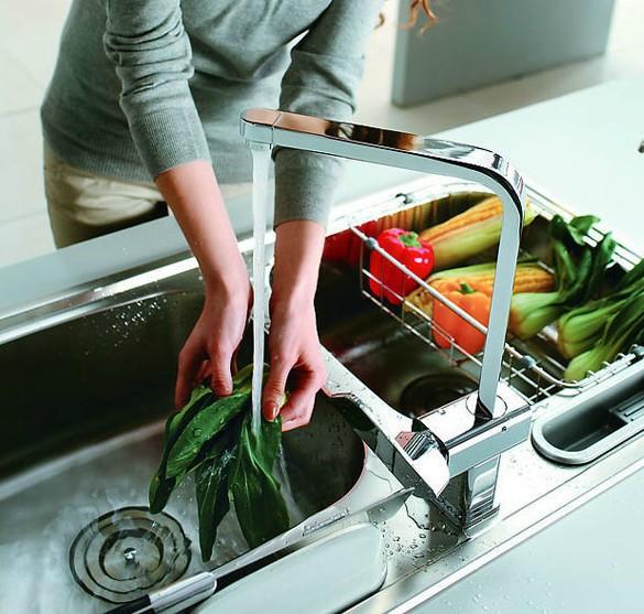 New Chrome Copper Kitchen Faucet Swivel Spout Sink Mixer Tap Water Tap Cheap Single Handle Deck Mounted<br><br>Aliexpress