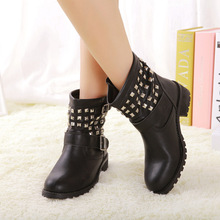 A flat round head rivet winter boots boots a British style Martin Xue Zi stock shoes