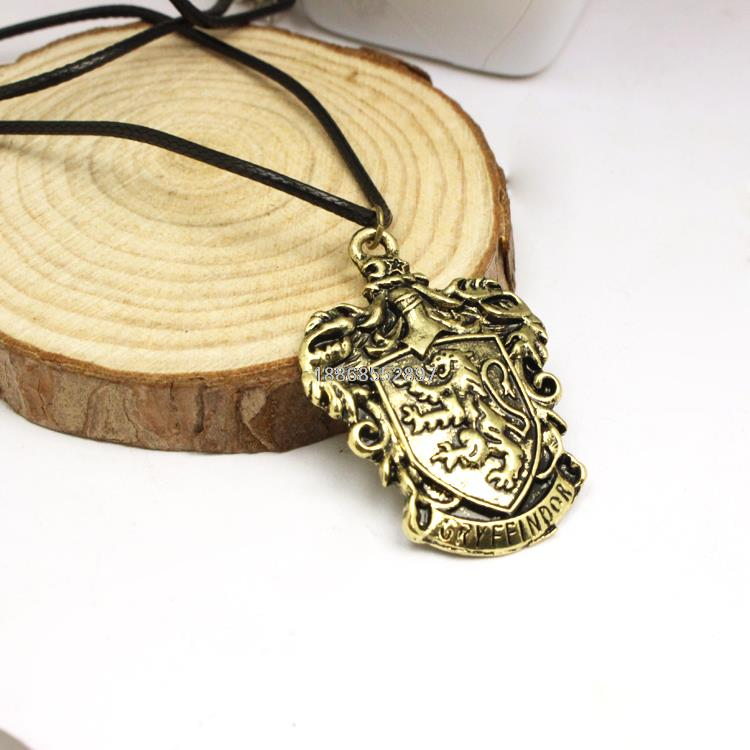 Freeshipping wholesale Harry Potter Gryffindor House Crest school necklace(China (Mainland))