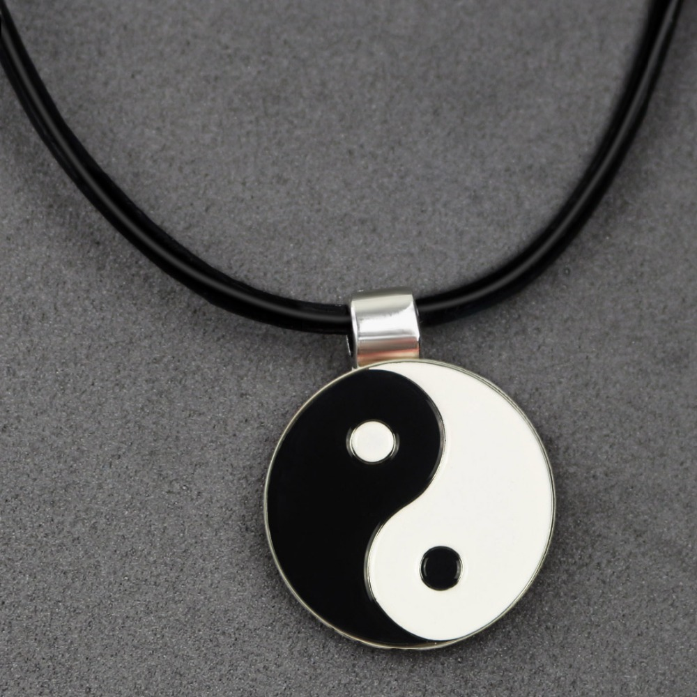 Metal Golf Ball Marker for Leather Cord Necklace with Magnetic Pendant- Attractive Original Golf Accessories(China (Mainland))