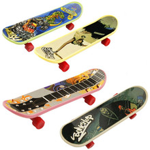 Creative Plastic Finger Skateboard  Toys Various Patterns 9.5cm Children Promotion Gifts Mix Color Educational Baby Toy 6325206(China (Mainland))