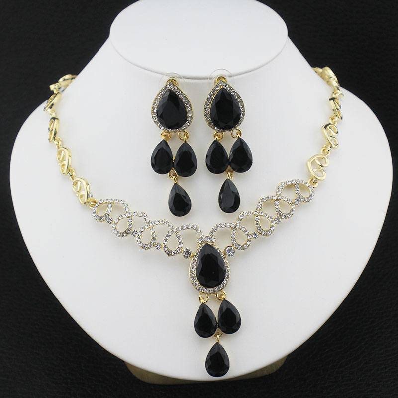 Wedding jewelry set 18 k gold african women peacock tail for Jewelry accessories for black dress