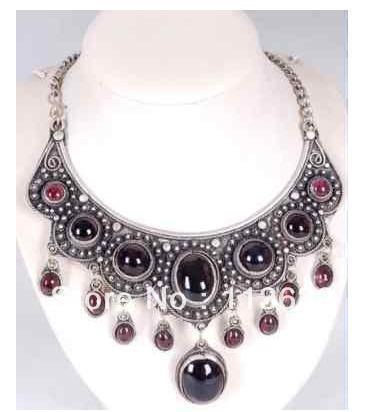 Tibet silver jewelry garnet pendant necklace