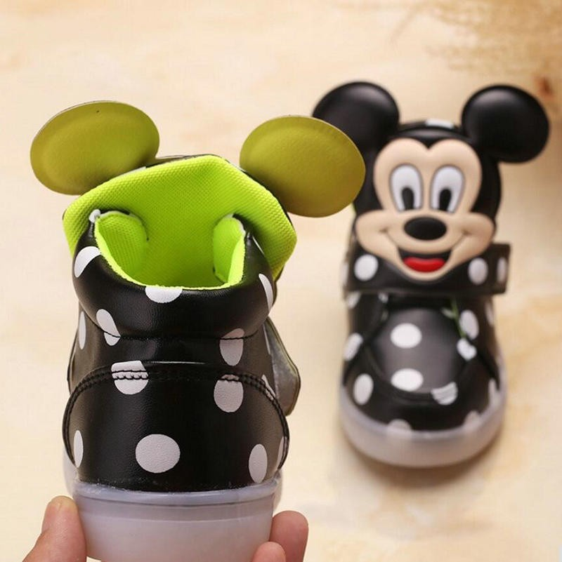 2016 New Fashion LED lighting children casual shoes Cartoon boys girls led flashing sneakers Printed Mickey baby kids boots