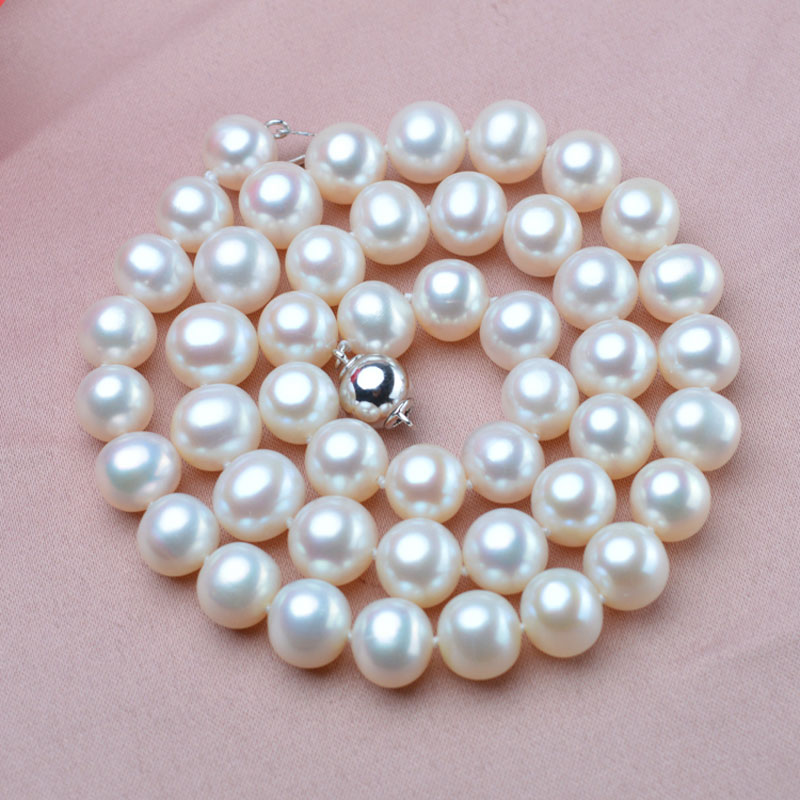 2016new fashionstyle 9-10mm Natural Freshwater Pearl Necklace white Color Real Pearl Necklace with 925 Silver for women(China (Mainland))