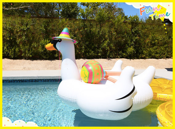 Cheap Pvc Material 2m Gaint White Inflatable Swan For Sale Swimming Pool Water Float Rafts In