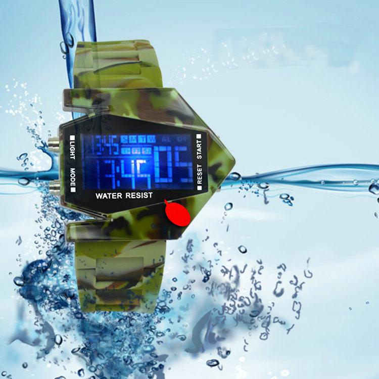 Новое прибытие мода светодиодный водонепроницаемый Камуфляж флэш боец красочные студент будильник электронные часы
