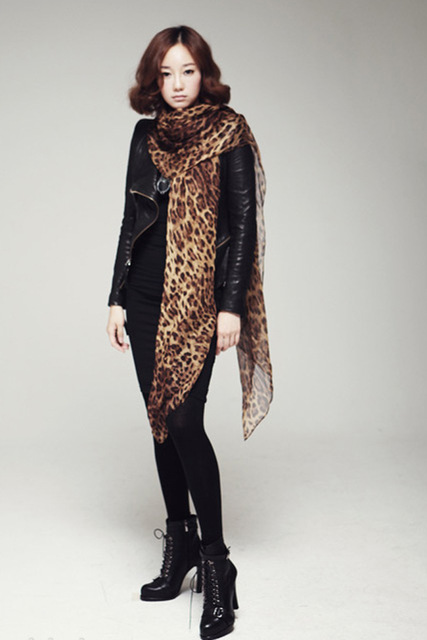 W019 Hot! Fashion New Year Christmas Gifts Winter Scarf Fashion Wild Leopard Scarf Shawl Jewelry