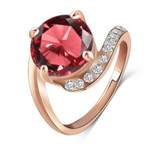 LZESHINE Brand Personalited Red Ruby Ring Real 18K Rose Gold Plated Genuine SWA Element Austrian Crystal Girls Rings Ri-HQ1023-A