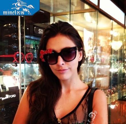 2014 fashion sunglasses women goggles three-dimensional flowers sun sun glass(China (Mainland))