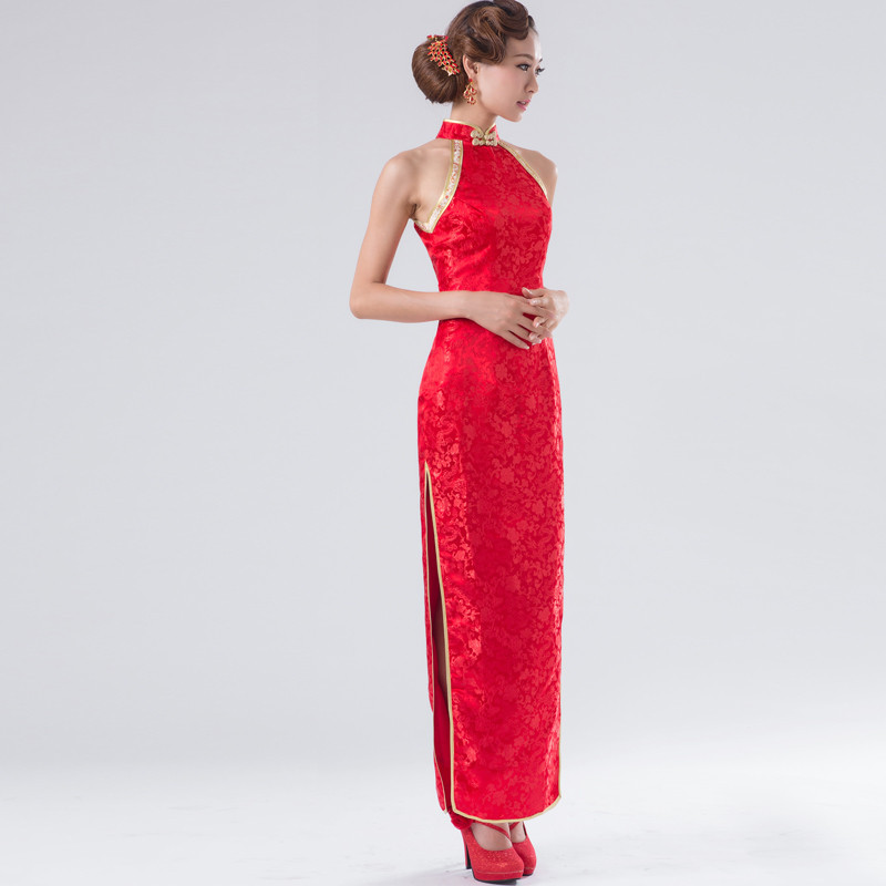 wedding etiquette red dress