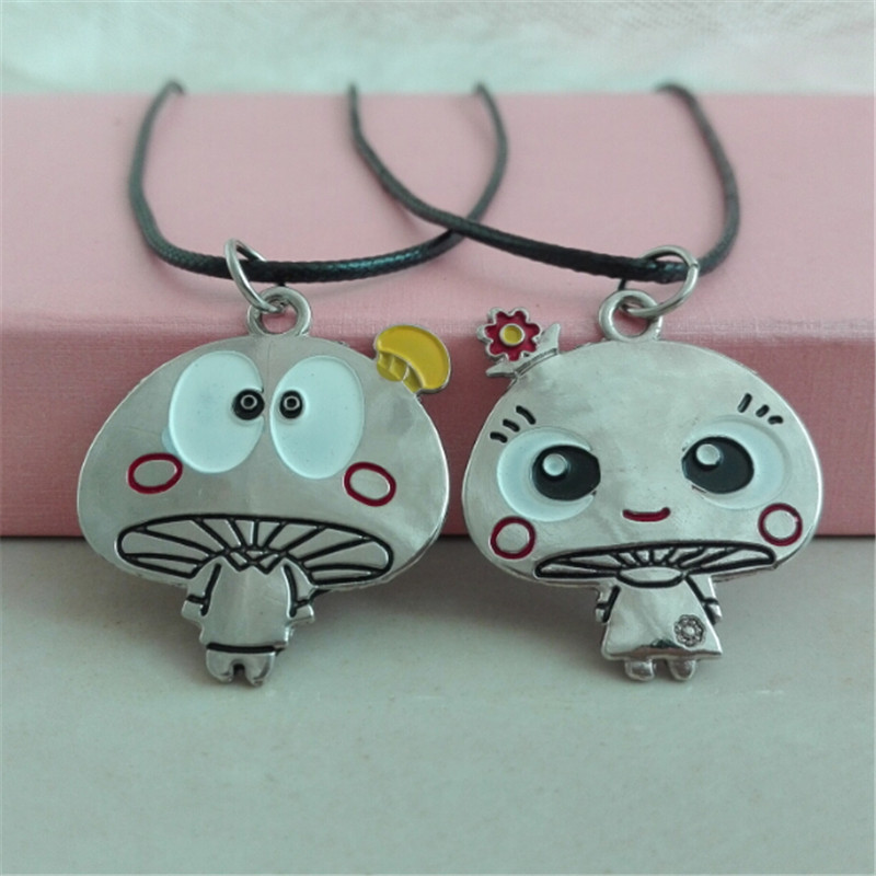 2Pcs/Lot Animation Movie Mushroom Color Cute Cartoon Avatar Alloy Rope Chain Lovers Necklace Gift For My Son And Daughter.(China (Mainland))