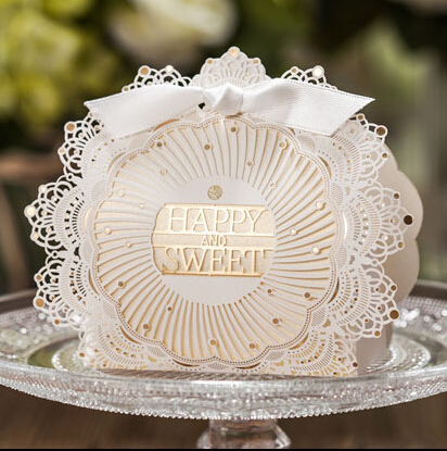 Romantic Lace Wedding Gift and favors Box Elegant White Luxury Decoration Laser Cut Party Sweet Guest Paper Candy Bag(China (Mainland))