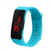 Relógio eletrônico do esporte dos homens das mulheres led display digital pulseira relógio de silicone gel das crianças esportes reloj deportivo l58(China)