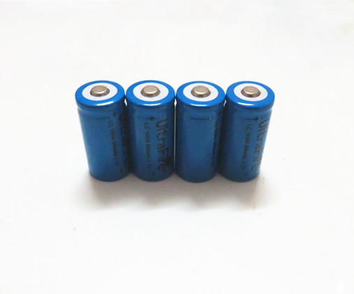 4 x Rechargeable CR123A 16340 880mAh 3.7V Li-ion battery(China (Mainland))