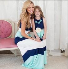 2016 verão mãe filha vestido da listra filha da mãe correspondência roupas olhar família mãe e filha vestido ropa mama e hija