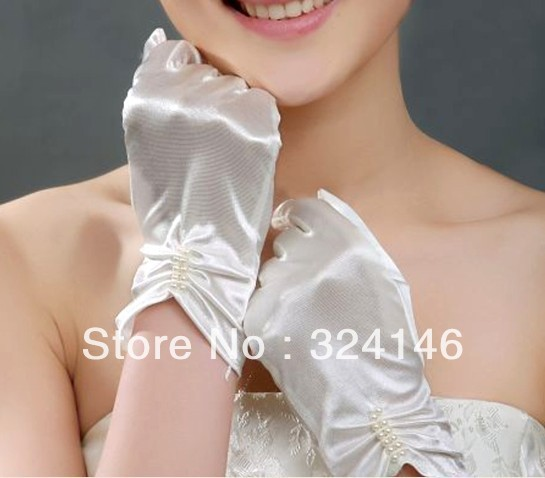 2pair/lot  bridal gloves double row pearl Elegant and noble wedding accessories beige lace band refers to the bride gloves