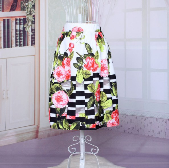 Womens floral skirt – Fashion clothes in USA photo blog