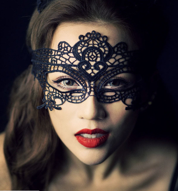 Free Shipping Women Sexy Gothic Black Rhinestone Flower Lace Masquerade MASK Sexy Black Eye Mask Dance Clubs Party Mask(China (Mainland))