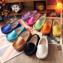 Bambino mocassino in pelle nabuk colorato bambini doug scarpe per ragazzi e ragazze bambini della scarpa da tennis di alta qualità leggero scarpe a suola piatta(China (Mainland))