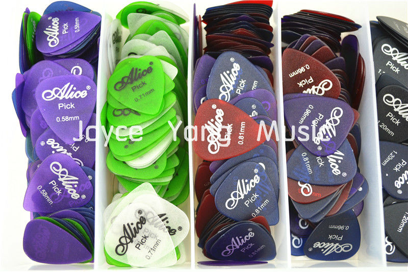 Lots of 100pcs Alice Matte Clear Transparent Acoustic Electric Guitar Picks Plectrums(Assorted Thickness&Colors) Free Shipping(China (Mainland))