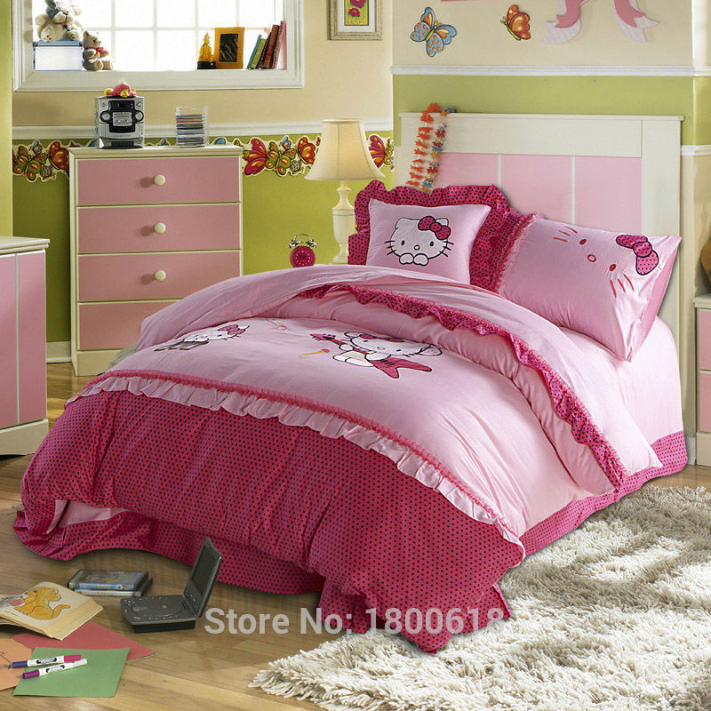 40 top photos ideas for corner circle bed tierra este for Kitty corner bed ideas