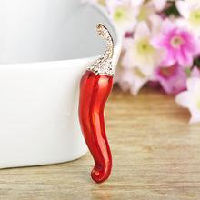 Funmor Enamel Red Chili Bentuk Bros Jilbab Pin Warna Emas Kristal Berlian Imitasi Sesuai Topi Dress Aksesori Tanaman Bros untuk wanita(China)