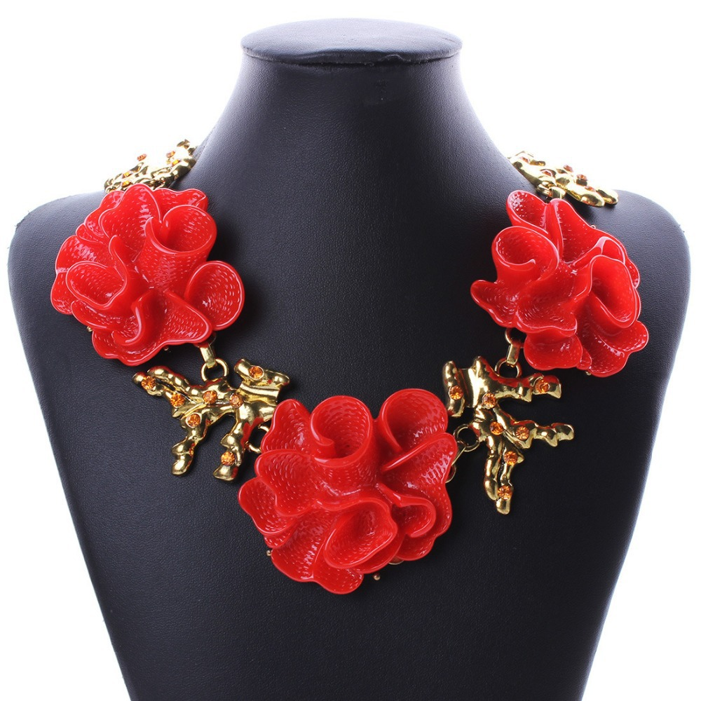 Red Rose Chokers Necklace Elegant Women Luxury Big Statement Necklace 2015 Chunky Resin Flower Necklaces Womens Jewellery(China (Mainland))