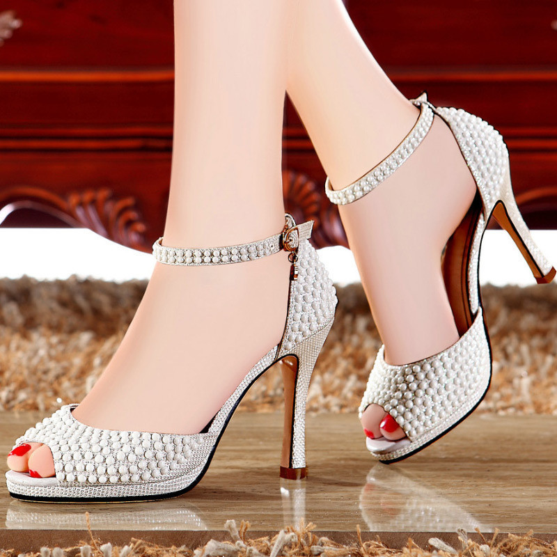 http://g04.a.alicdn.com/kf/HTB19NXcHVXXXXXmXFXXq6xXFXXXB/2015-Top-Quality-Fashion-casual-Style-Women-font-b-Sandals-b-font-Cover-Heels-Platform-High.jpg