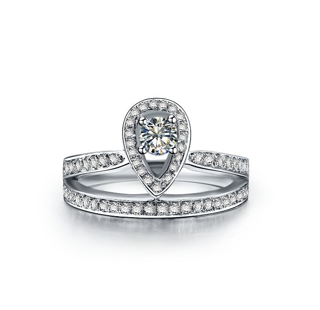 0.45Ct 18K White Gold Crown Style Good-Looking CHARLES&COLVARD Moissanite Women Anniversary Ring Wholesale Genuine Gold Ring(China (Mainland))