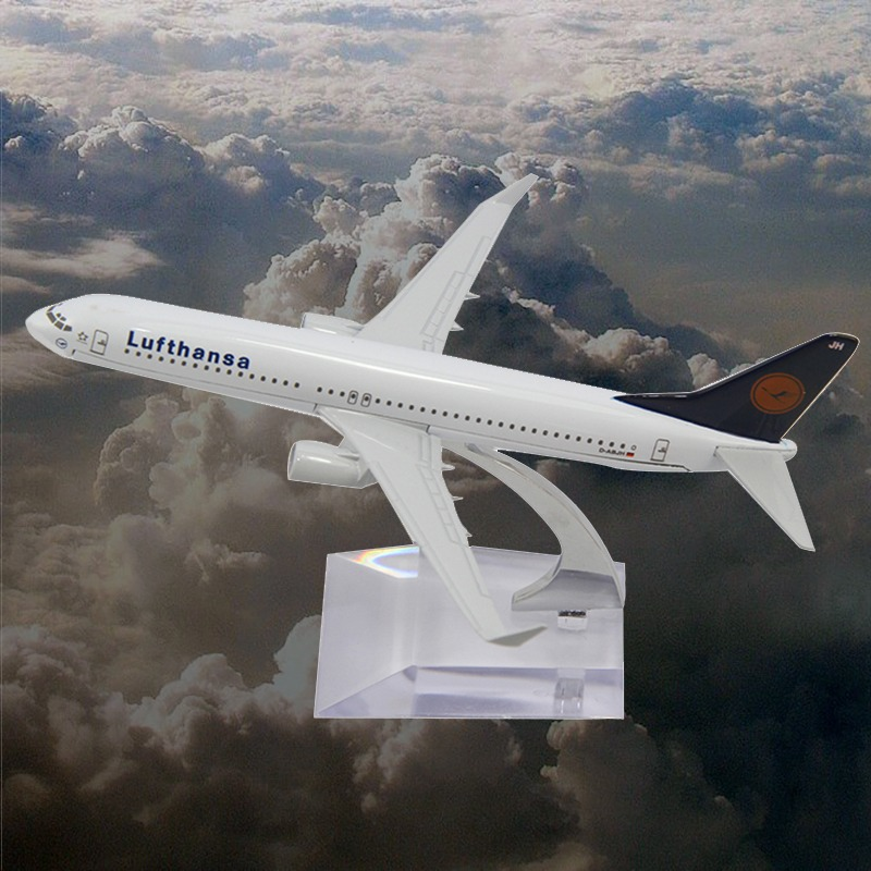 Toy Cars Cars Pixar Chuggington 16cm Metal B737 Lufthansa Airlines Die Cast Boeing Commercial Plane Model Length For Chirstmas (China (Mainland))