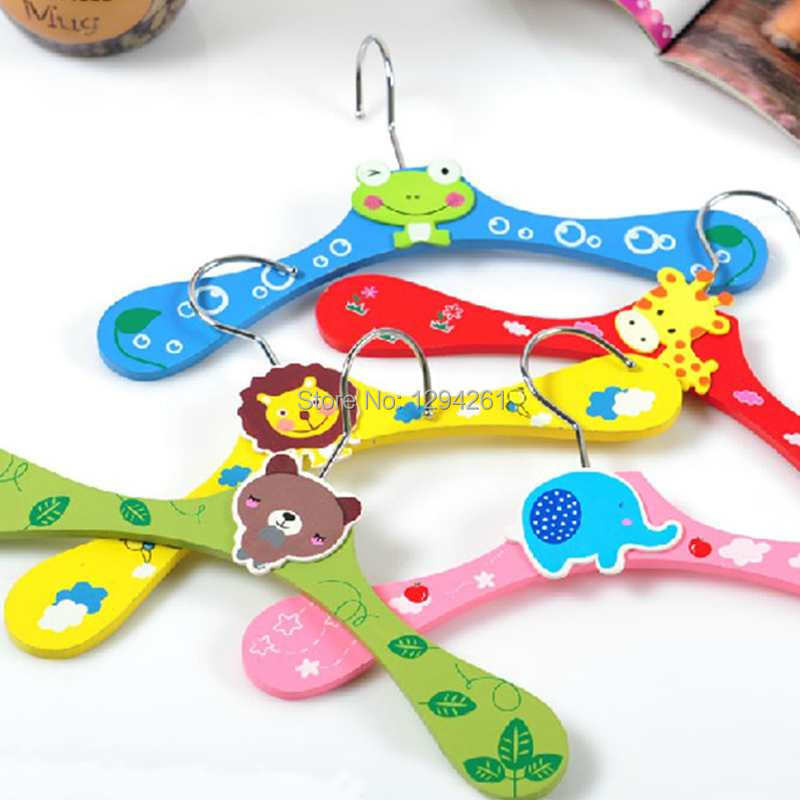 Free Shipping Cute Design Wooden Material Pet Dog Cat Supplies Pet's Cloth Hanger TKPqA(China (Mainland))