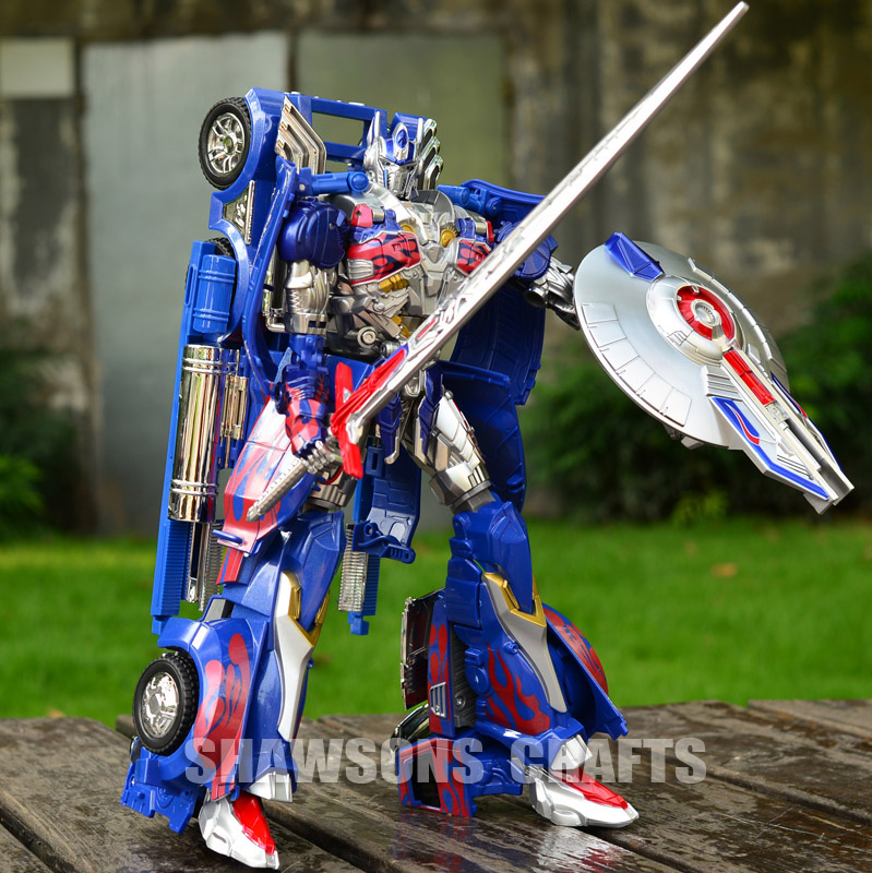 """TRANSFORMATION ROBOT TOYS AD31 12"""" LEADER OPTIMUS PRIME ACTIOIN FIGURE ALLOY PARTS(China (Mainland))"""