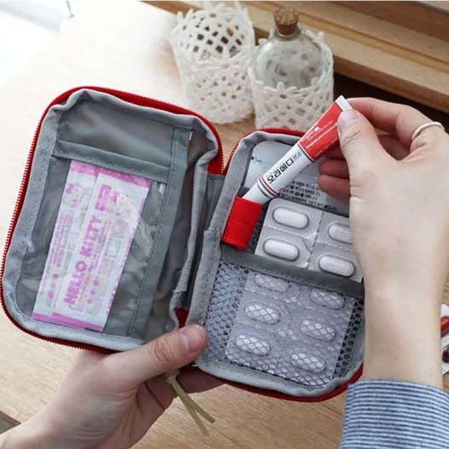 Небольшой Медицина Комплект Легко Нести Домой Открытый Первая Помощь Скорой Медицинской Комплект Выживания Мешок Wrap Передач Мешок