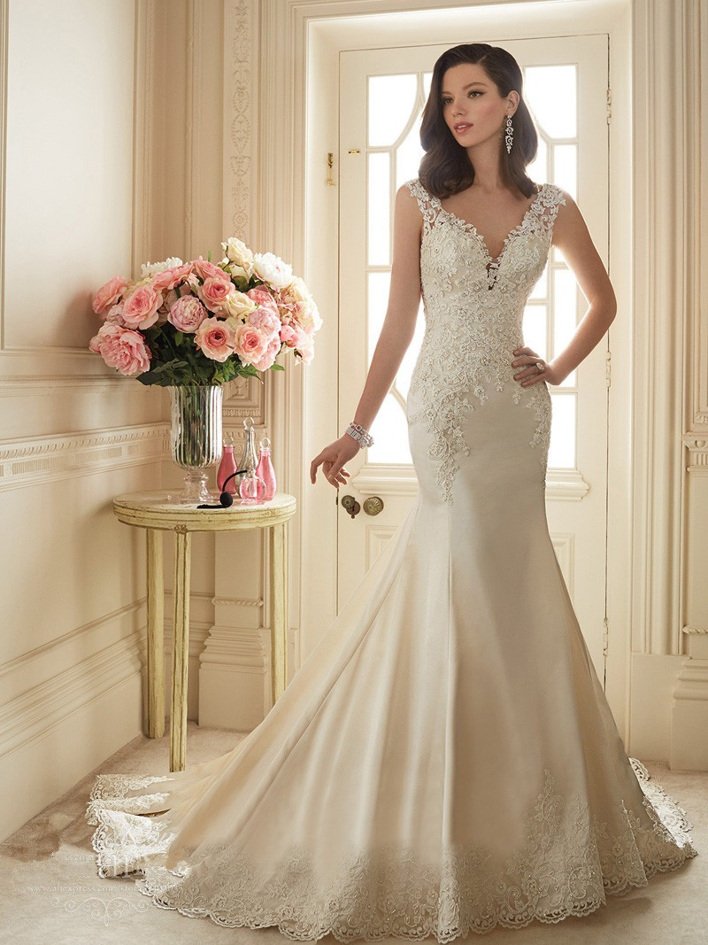 Elegant v neckline wedding dresses with lace appliques for Satin mermaid style wedding dresses