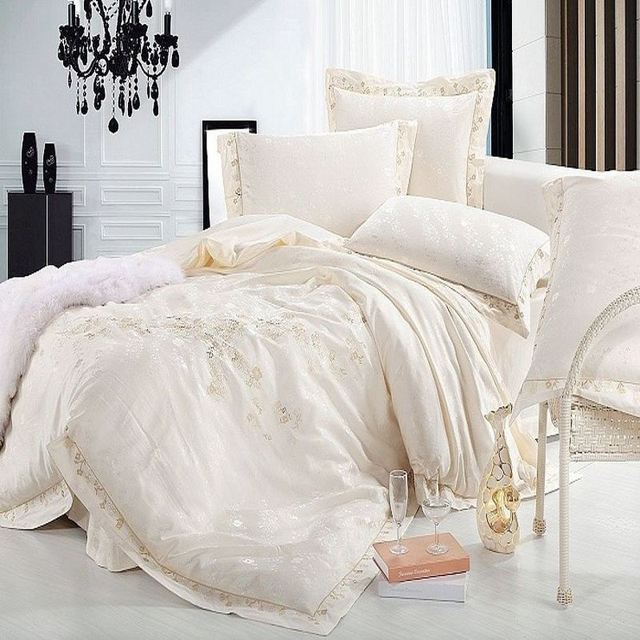 Luxury Jacquard Silk bedding set queen king size 4pcs Beige Satin Princess duvet cover bedclothes bed linen cotton home textile