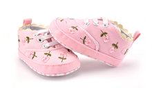 תינוקת נעלי לבן תחרה פרחוני רקום רך נעלי Prewalker הליכה פעוט ילדי נעלי משלוח חינם(China)