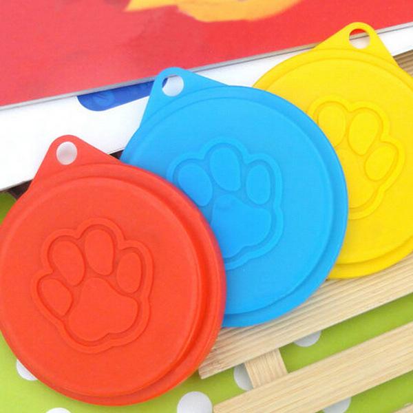 2Pcs Pet Food Can Cover Lid Dog Cat Pet Tin Plastic Reusable Dog Feed Storage Cap Top 88mm Random Colors(China (Mainland))