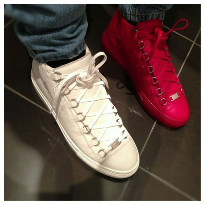 2015 Hot Kanye West High Top Men Brand Casual Shoes Lace-Up Autumn Fashion High Quality Men Shoes Free Shipping<br><br>Aliexpress