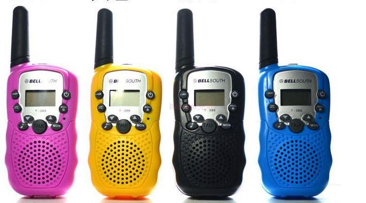 A pair of The maximum communication distance of 3 km Mini walkie talkie walkie talkie in children Free Shipping(China (Mainland))