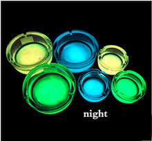 Noctilucent ashtrays which are creative glass ashtrays with bright light in the dark and are good gifts for men  (China (Mainland))