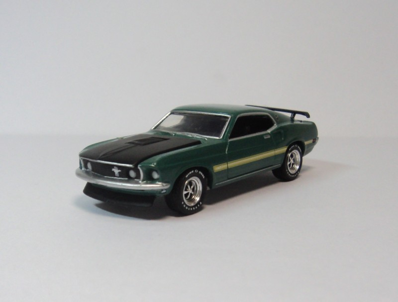 Ford Mustang Mach GREENLIGHT 11969 Ford wild green horse 1:64(China (Mainland))