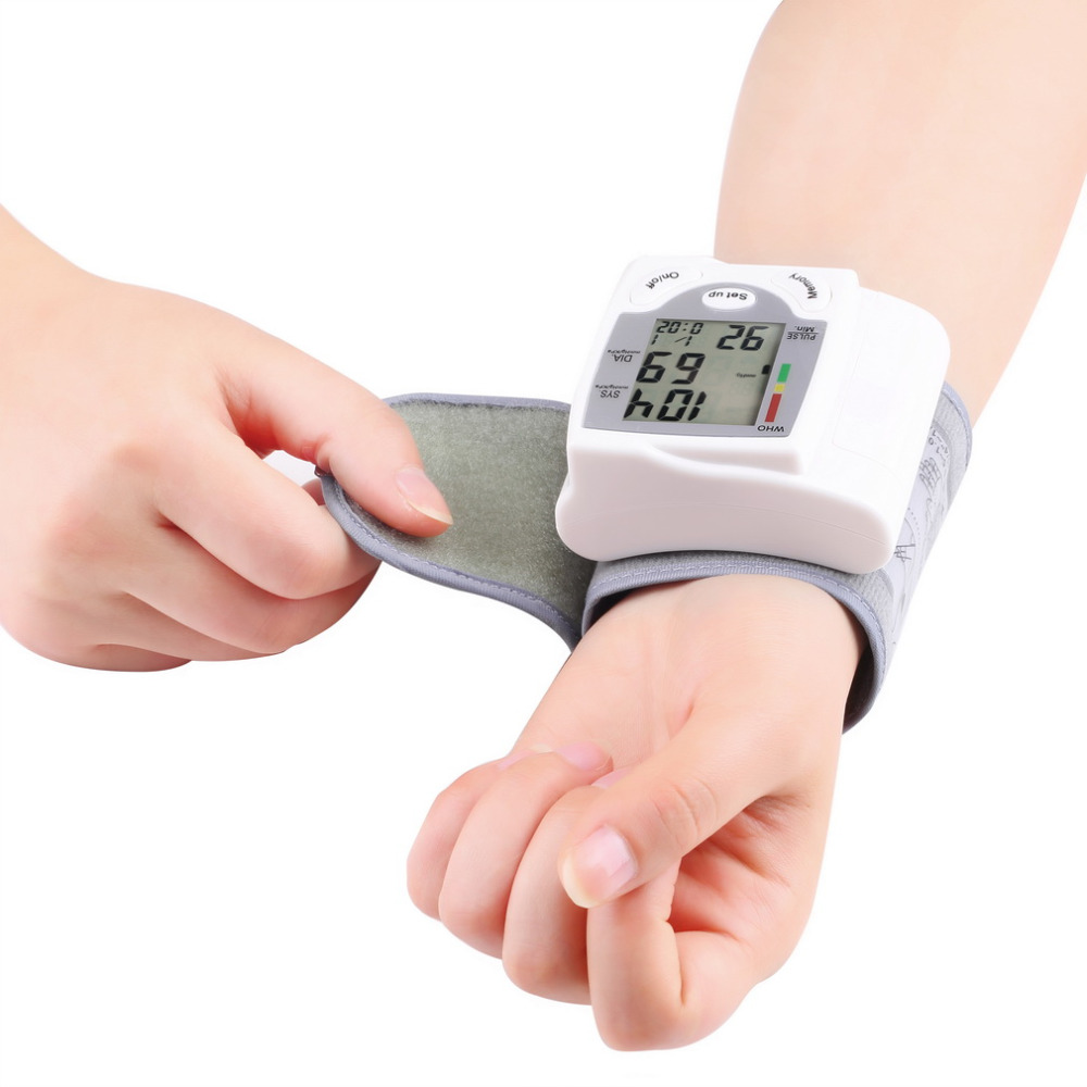 2017 Health Care Digital LCD Wrist Blood Pressure Monitor Heart Beat Rate Pulse Meter Measure Hot Selling