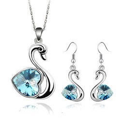 New 2014 Wholesale Classic Swan Pendants Necklaces Dangle Earring Jewelry sets Made With Austria Crystal Silver Plated For Women(China (Mainland))