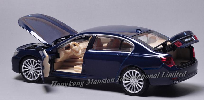 New 132 Car Model For BMW 760Li (29)